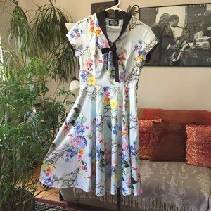 HEARTS & ROSES Floral Retro Inspired Satin Dress